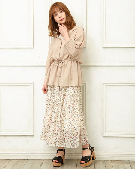 【INGNI STORE限定セット】ドロストフードシャツ+花柄シフォンスカート/SET