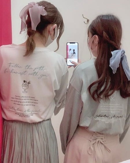 BackアソートプリントロングTシャツ